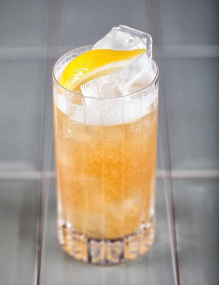WEISSEN SOUR cocktail recipe - shopping bag - handbag
