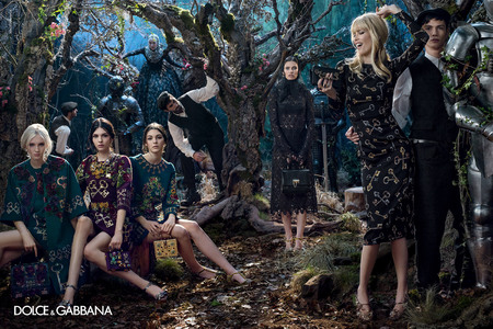 dolce & gabbana aw14 ad campaign - claudia schiffer with models and embellished bags - shopping bag - handbag
