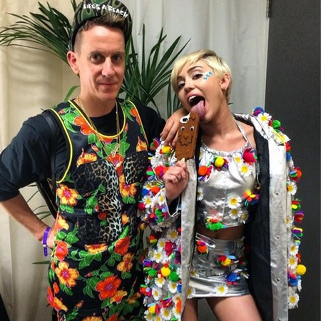 Jeremy Scott - Miley Cyrus - Custom Moschino - summer time ball - handbag.com