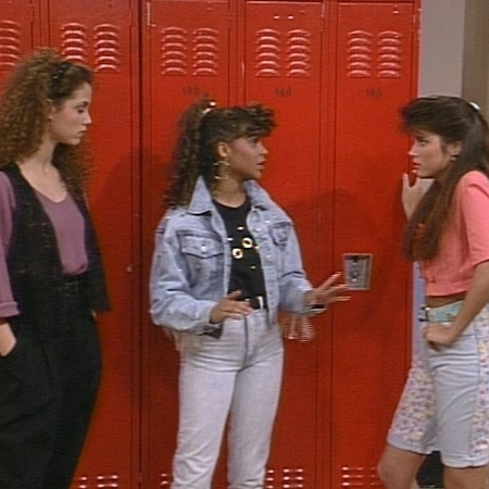 Saved by the bell cast - Cast photos - 80s and 90s fashion trends - retro TV shows - double denim - fashion from TV shows - day bag - handbag.com