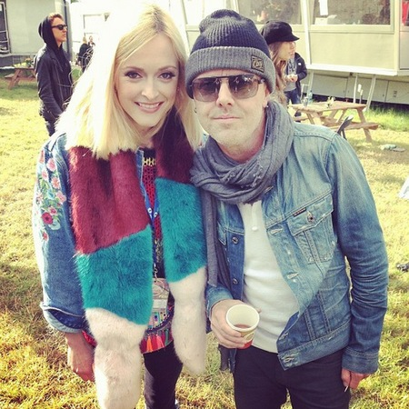 Fearne Cotton's faux fur scarf at Glastonbury