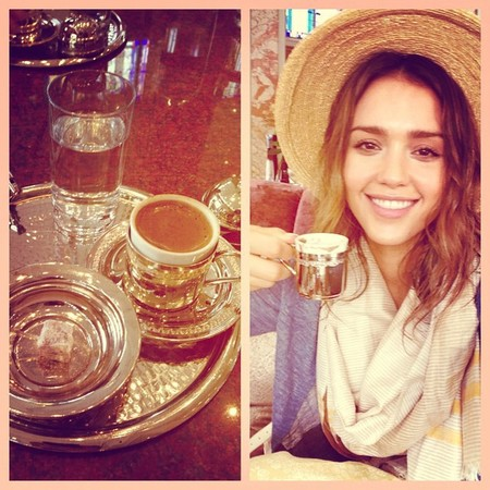 jessica alba sipping on coffee - jessica alba turkish holiday - travel bag - handbag