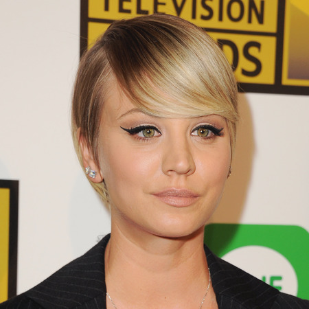 kaley cuoco short hair - where are the beach waves - celeb beauty news - beauty news - beauty bag - handbag.com