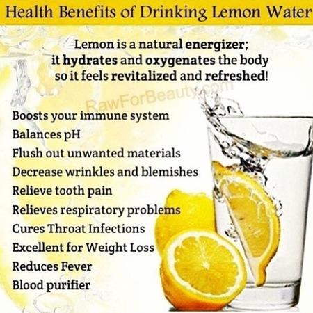 Khloe Kardashian shares easy detox tip on Instagram - celebrity health and fitness advice - how to detox - lemon water - detoxing drinks - gym bag - handbag.com