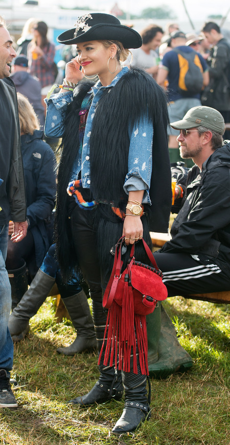 Rita Ora at Glastonbury festival 2014 - celebrity spots at Glastonbury festival - instagram photos - fashion - shopping bag - handbag.com