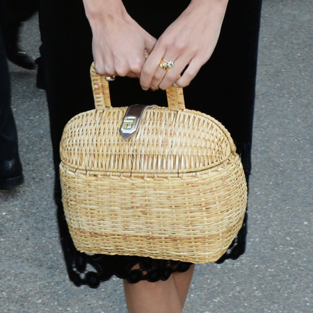 alexa chung-black velvet dress-serpentine gallery summer party-straw basket handbag-handbag.com