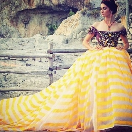 dolce gabbana-alta moda capri-fashion show-yellow stripe big skirt-handbag.com
