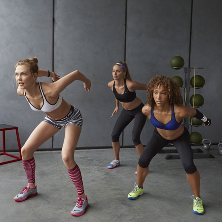 Karlie Kloss - nike performance sports bra - squat jumps - handbag.com
