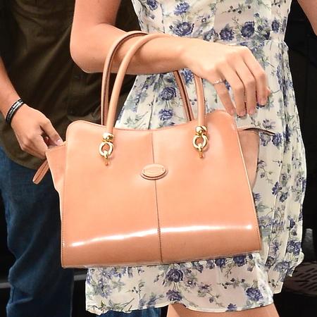 Taylor Swift's Tod's Sella tote bag