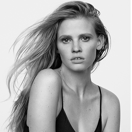 In an interview with Net-a-Porter's The Edit, the gorgeous supermodel and new mum Lara Stone let's us in on some of her best pregnancy tips.