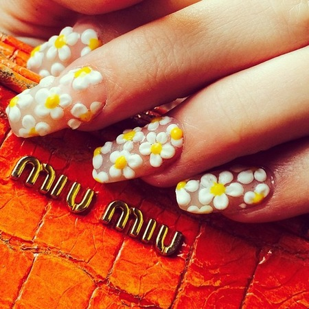 The best feel good nail art - wah nails 3d daisies - daisy print - handbag.com