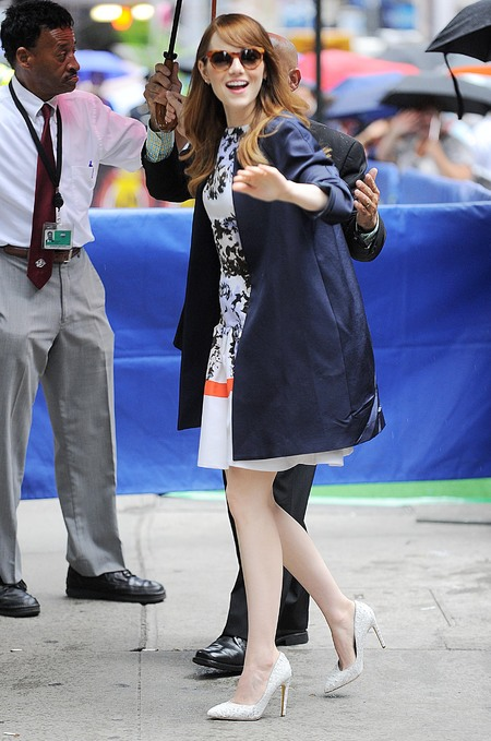emma stone in floral dior dress - shopping bag - handbag