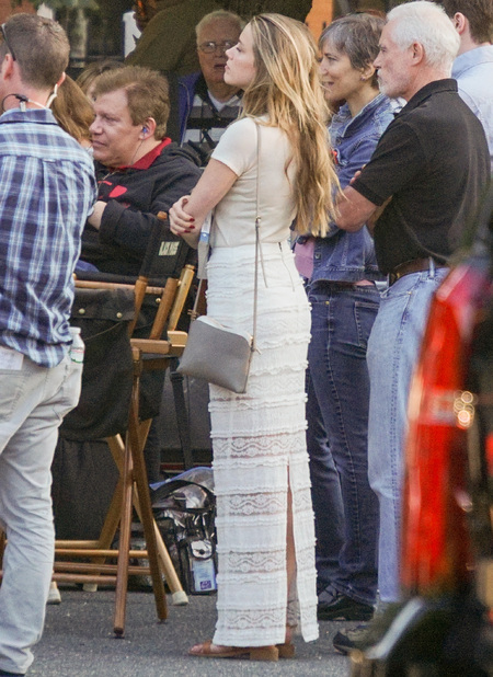 Amber Heard - supporting johnny depp on set on black bass - handbag.com